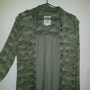 American Eagle Outfitters Boyfriend Fit Camo shirt